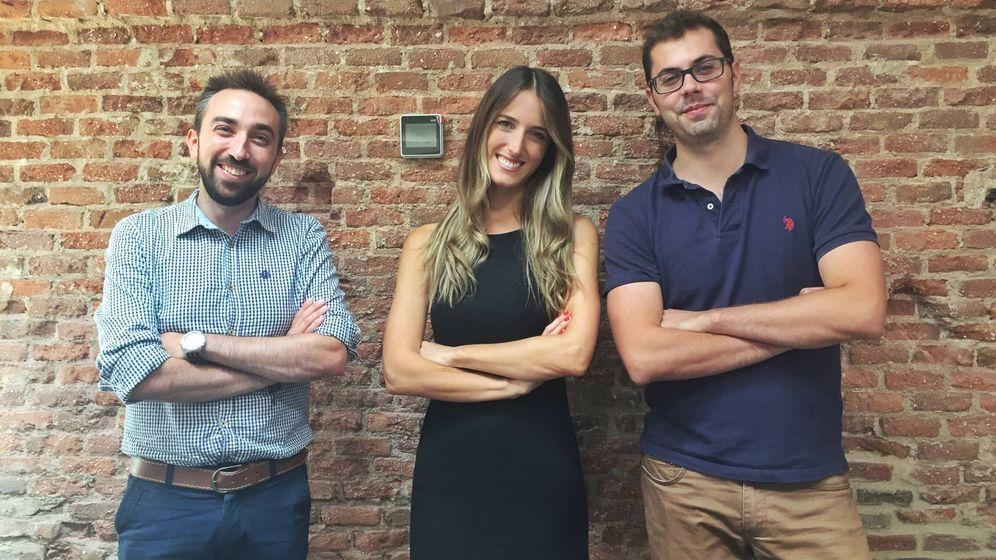 Foto: Andrea Barber, junto a sus socios, Miguel Ángel Torrero (izda.) y Juan Romero (dcha.).