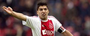 Luis Suárez, castigado con siete partidos por su mordisco a Bakkal, del PSV