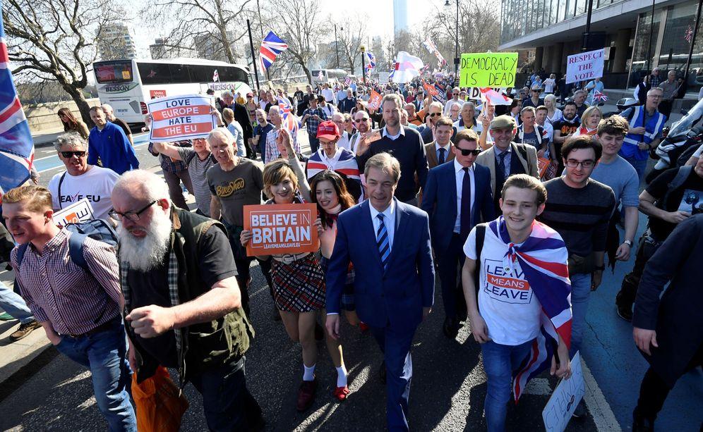 Foto: Nigel Farage durante una manifestación a favor del Brexit en Londres. (Reuters)