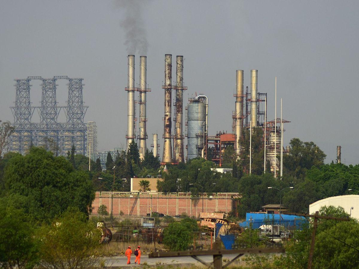 Foto: Alta contaminación de la planta de Tula (México) agrava la amenaza para la salud. (EFE)