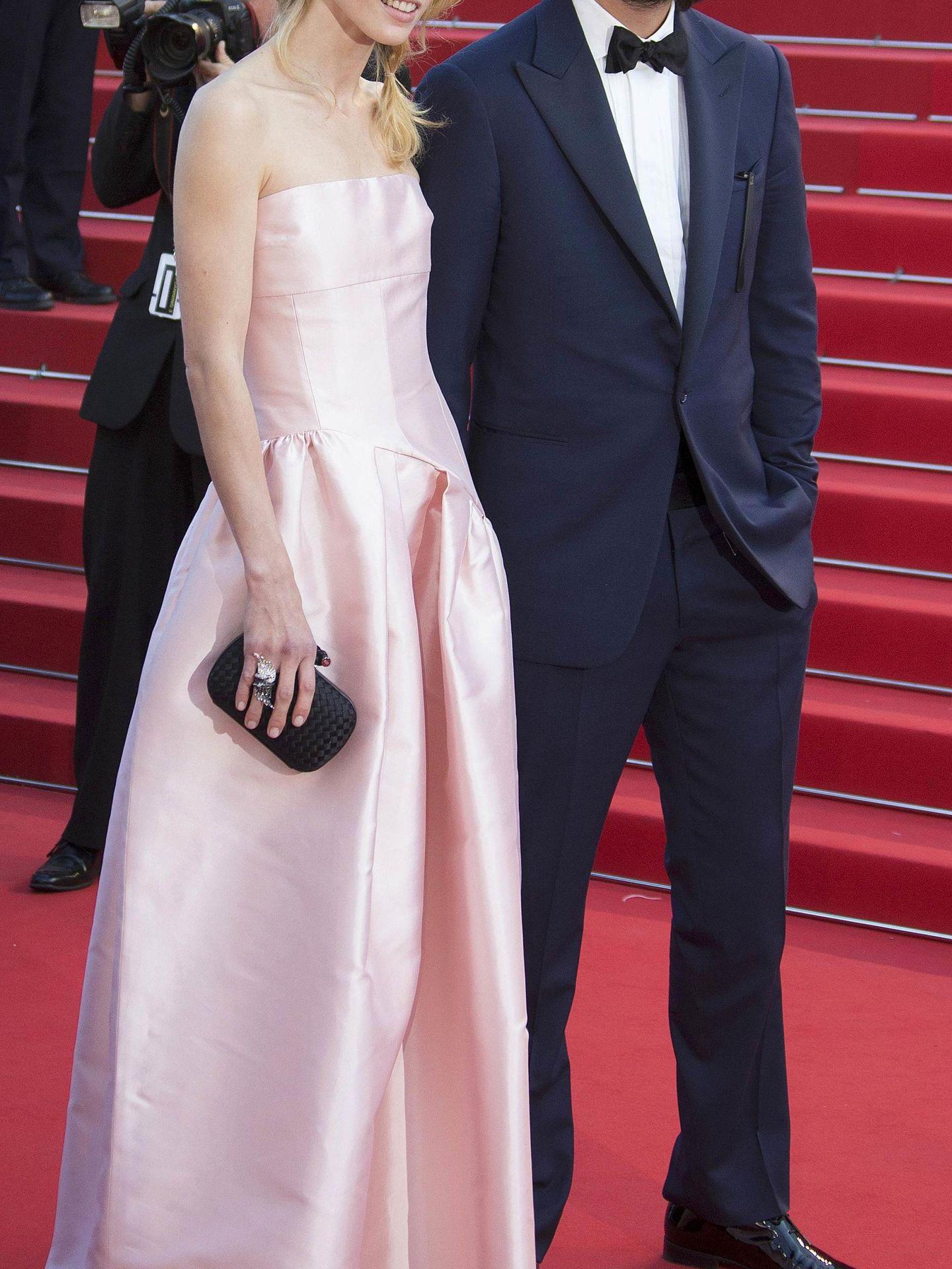 Dimitri, con su mujer, en el Festival de Cannes, en el estreno de 'El principito'. (Reuters)