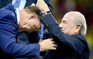 El gen ganador de Van Gaal lleva a Holanda a acabar tercera sin perder