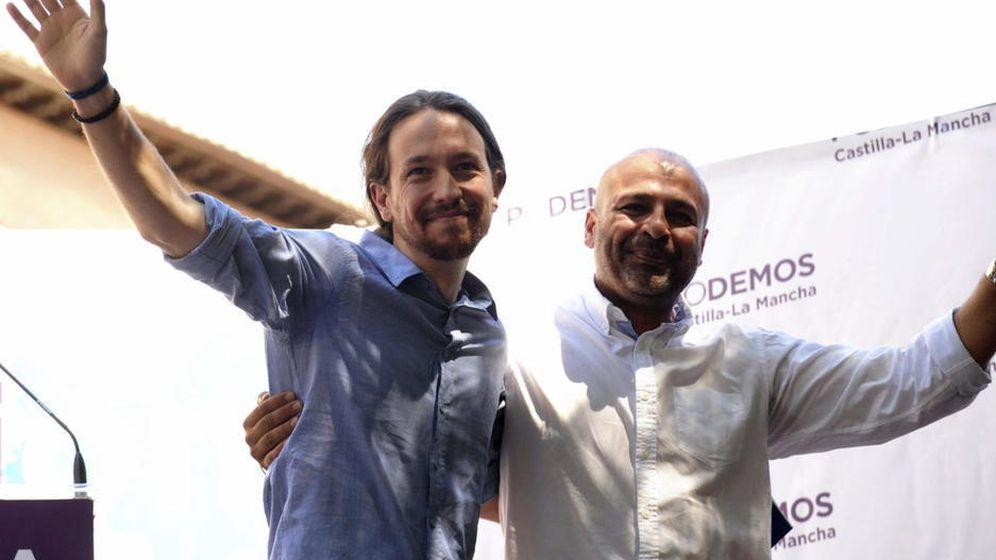Foto: Pablo Iglesias y el secretario regional de Podemos en Castilla La Mancha, José García Molina. (EFE)