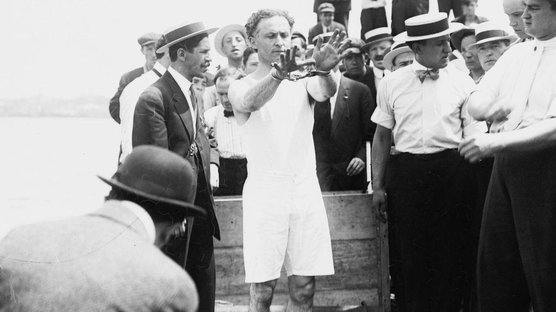 Los inventos de Houdini: cómo el escapista patentaba sus trucos sin desvelarlos