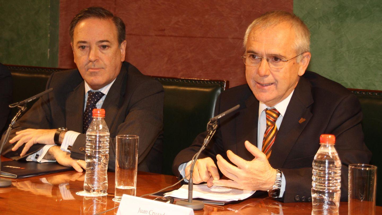 Juan Cruzado (derecha).