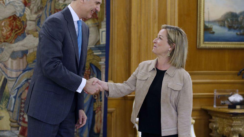 Foto: El rey Felipe VI recibe este lunes en el Palacio de la Zarzuela a la diputada de Coalición Canaria Ana Oramas. (Efe)