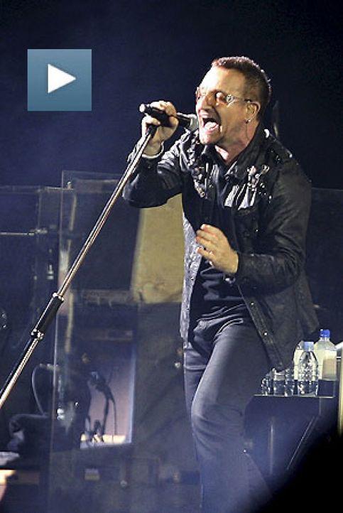 U2 aterriza con su nave ante 90.000 'terrícolas'