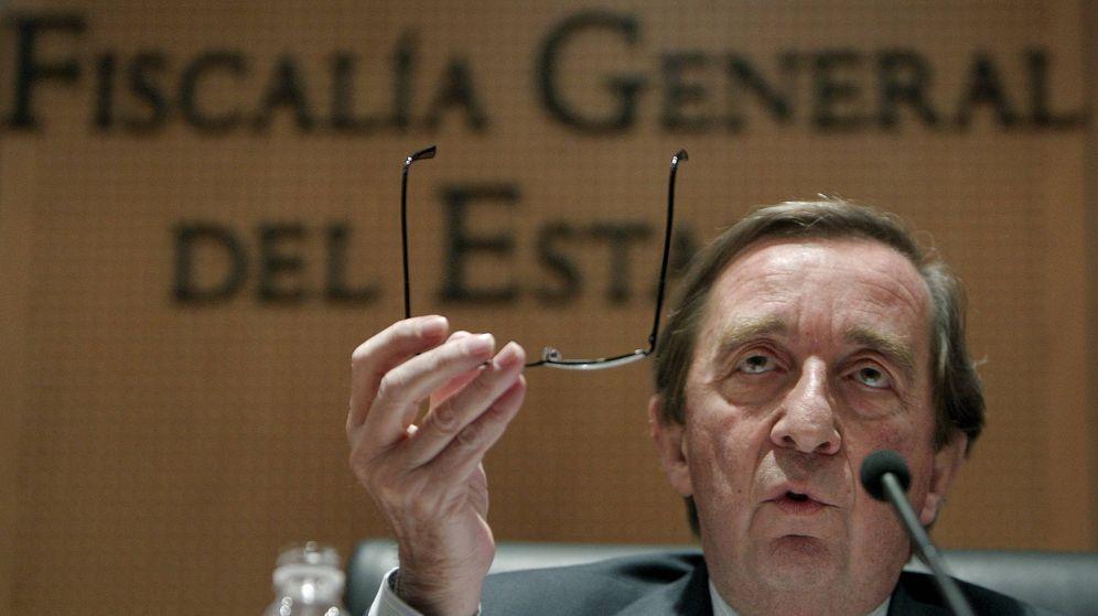 Foto: Antonio Salinas, durante la rueda de prensa que ofreció en 2010 para explicar la operación Java. (EFE)