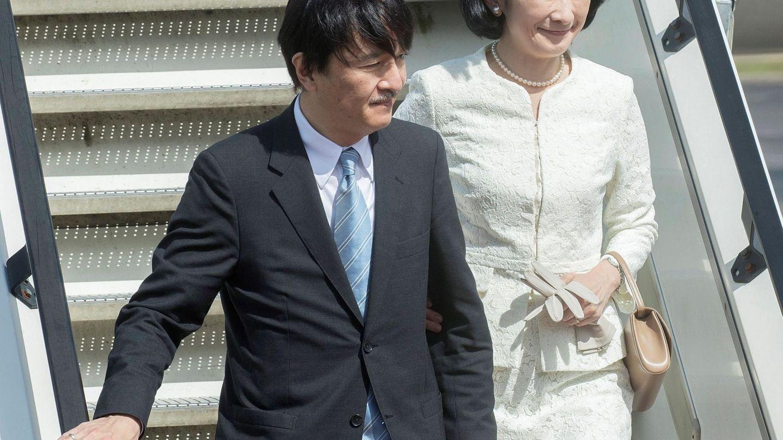 El príncipe Akishino de Japón y su esposa, la princesa Kiko, en una imagen de archivo. (EFE)