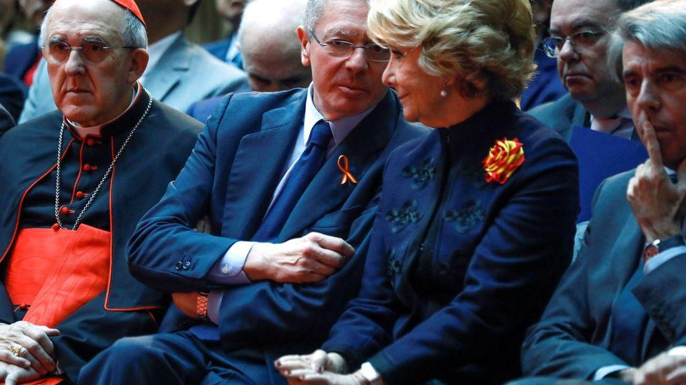 Foto: Los expresidentes de la Comunidad de Madrid Alberto Ruíz Gallardón y Esperanza Aguirre. (EFE)