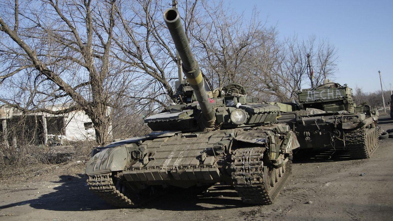 Foto: Dos tanques rebeldes, cerca de Donetsk esta semana. (Efe)