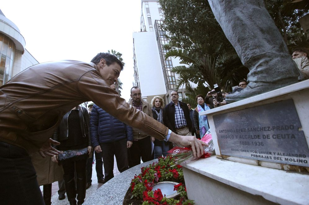 Foto: Pedro Sánchez, durante el homenaje en Ceuta a un médico y político comunista español fusilado en la Guerra Civil., este lunes (EFE)