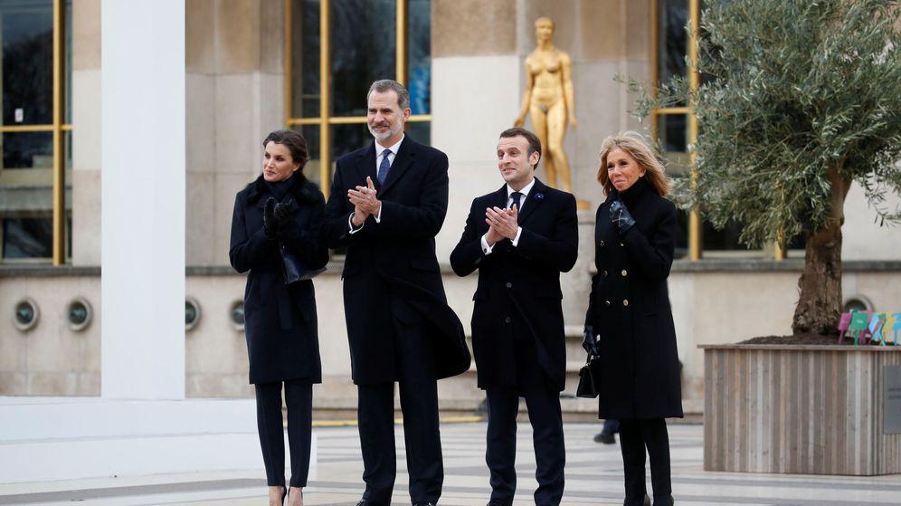 Foto: Los Reyes con los Macron. (Reuters)
