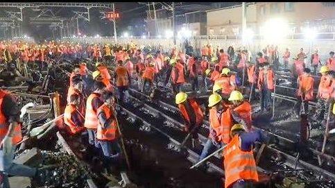 Así se construye una estación de tren en nueve horas