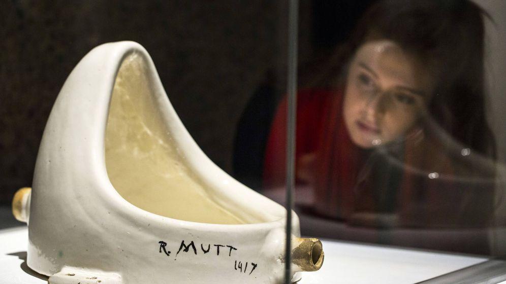 Foto: Réplica de 'Fuente', el célebre urinario de Duchamp