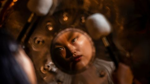 La 'Cremà' pone fin a las Fallas y meditación para liberar el estrés en China: el día en fotos