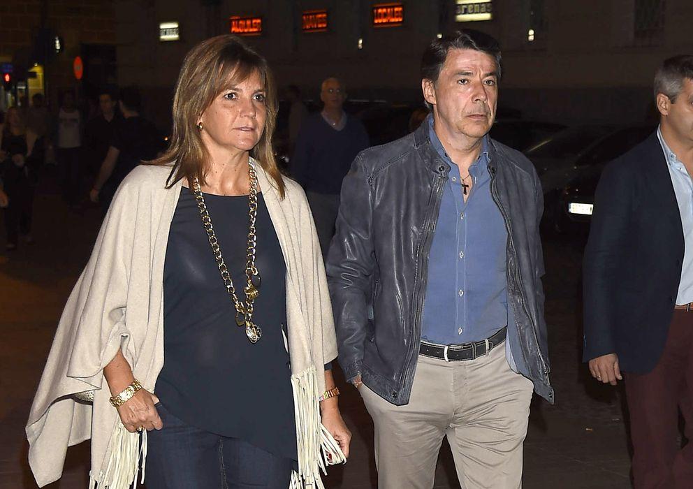 Foto: Ignacio González y su mujer, antes del concierto de Elton John (Gtres)
