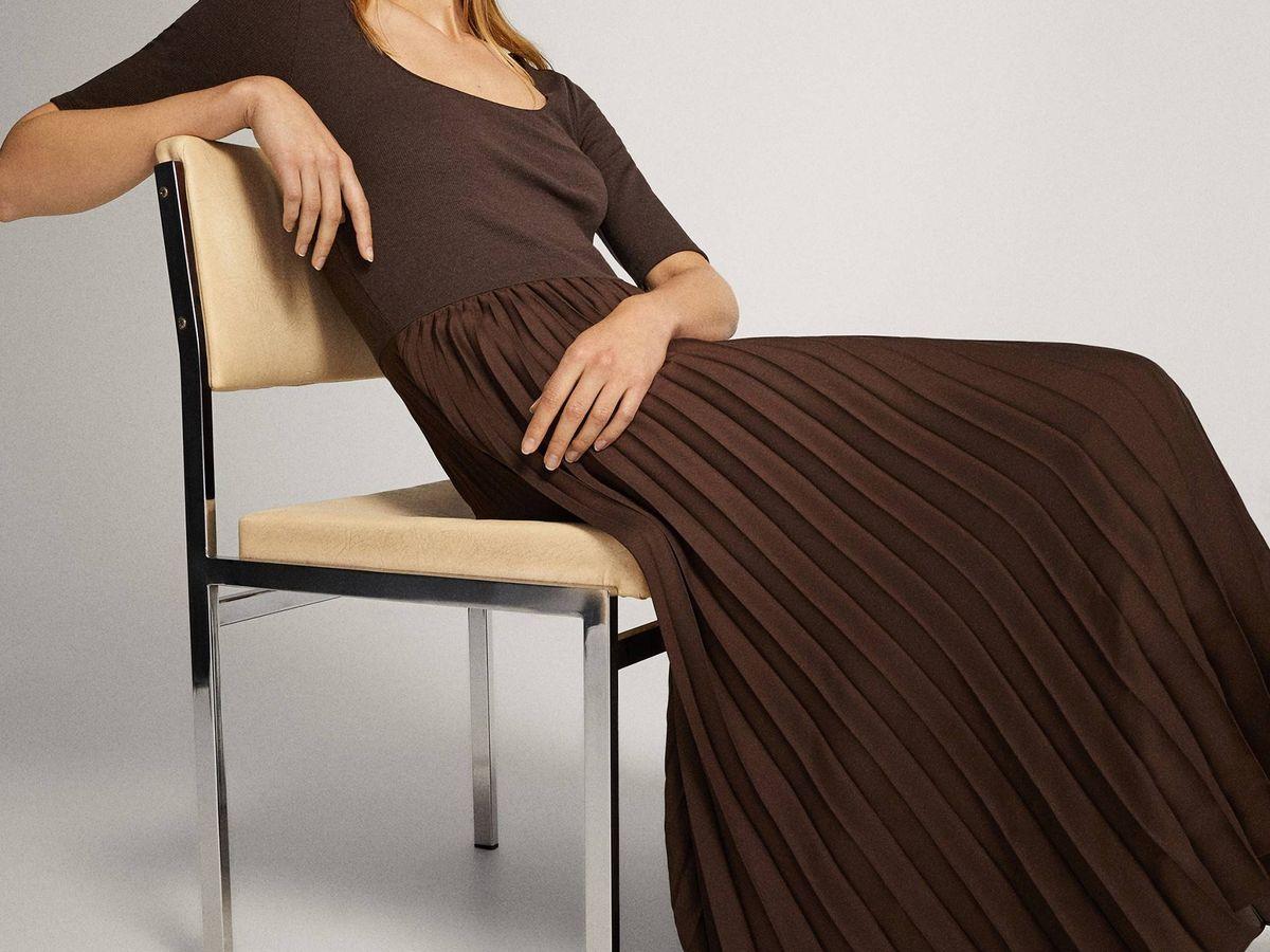 Foto: Vestido polifacético de Massimo Dutti. (Cortesía)