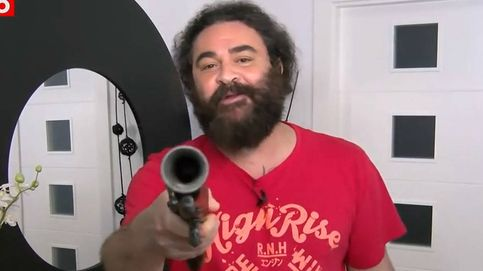 Los dardos de El Sevilla a Abascal ante su propuesta a la tenencia legal de armas