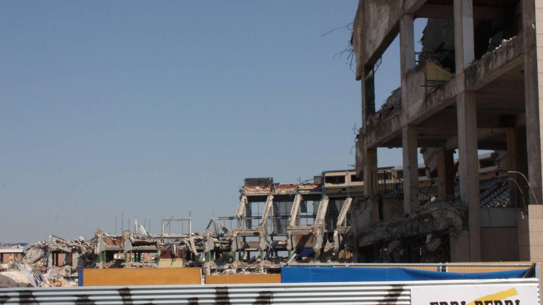 Los huesos del Calderón: así desaparece (entre polvo y ruido) un estadio inolvidable