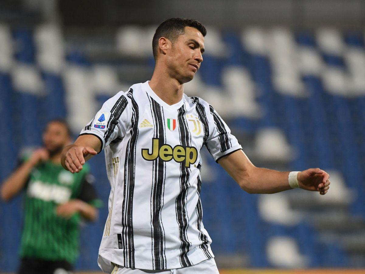 Foto: Cristiano se lamenta tras fallar una ocasión. (Reuters)