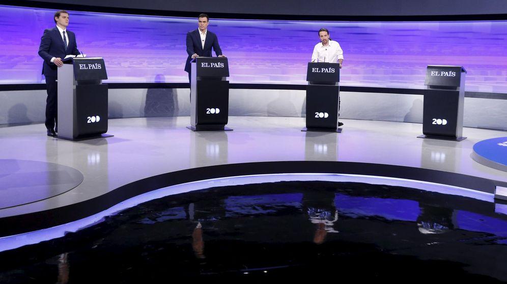 Foto: Albert Rivera, Pedro Sánchez y Pablo Iglesias. en el debate electoral del pasado 30 de noviembre. (Reuters)