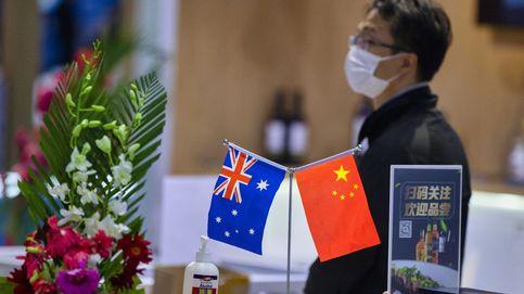 ¿Quiere China destruir Australia? Así mata Pekín a la gallina para asustar al mono