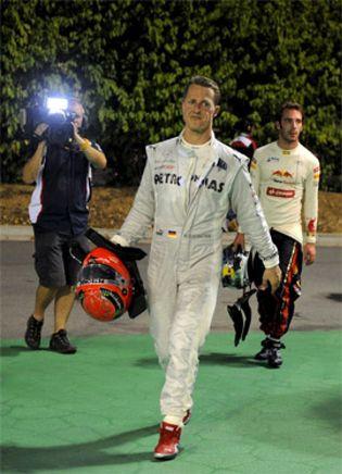 Foto: La leyenda de Schumacher caminó entre la torpeza y el bochorno por Singapur