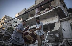 El consulado español evacua a 60 españoles de la franja de Gaza
