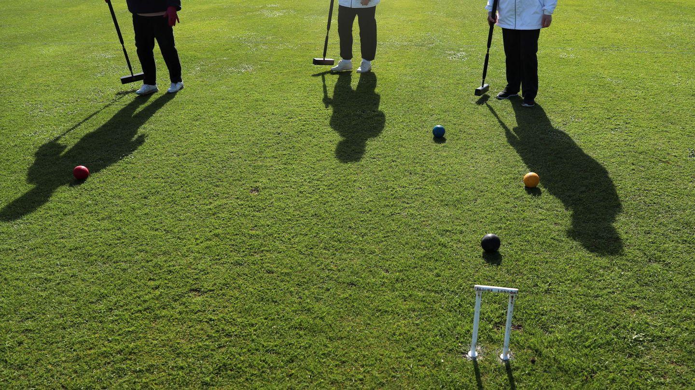 Instantánea de un partido de croquet. (Reuters)