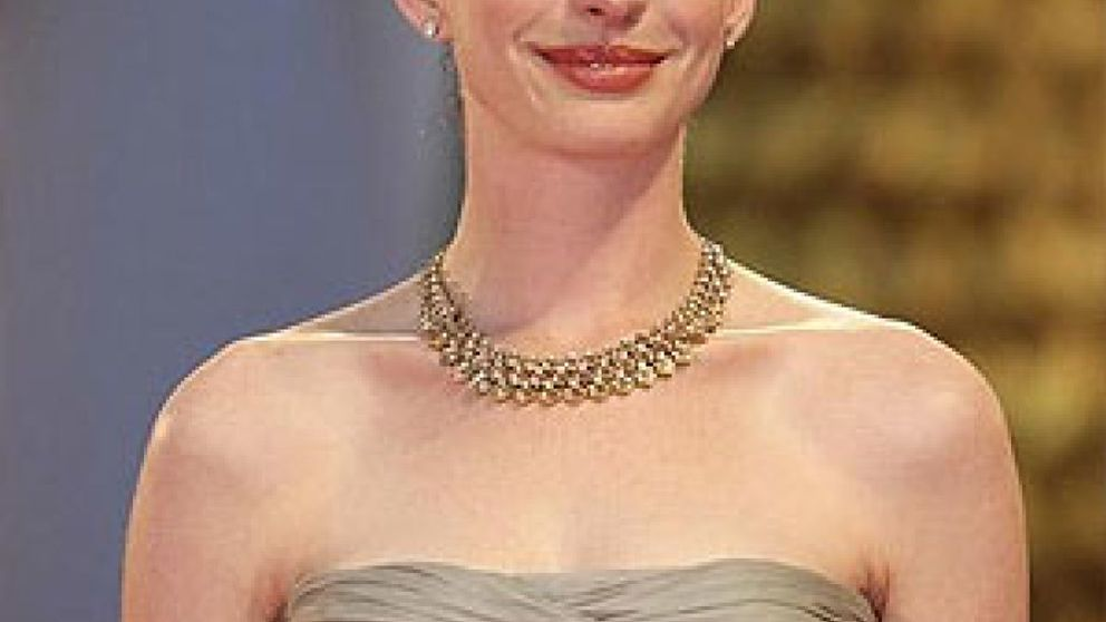 Anne Hathaway será Judy Garland en el cine