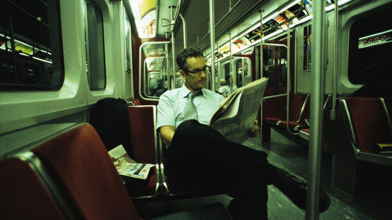 Foto: Del coche último modelo al metro: ¿cómo han cambiado las expectativas masculinas? (Dann Tardif/LWA/Corbis)