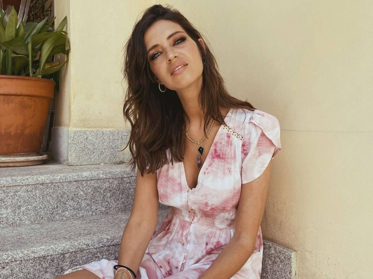 Foto: Sara Carbonero luce el vestido de este verano. (Instagram @saracarbonero)