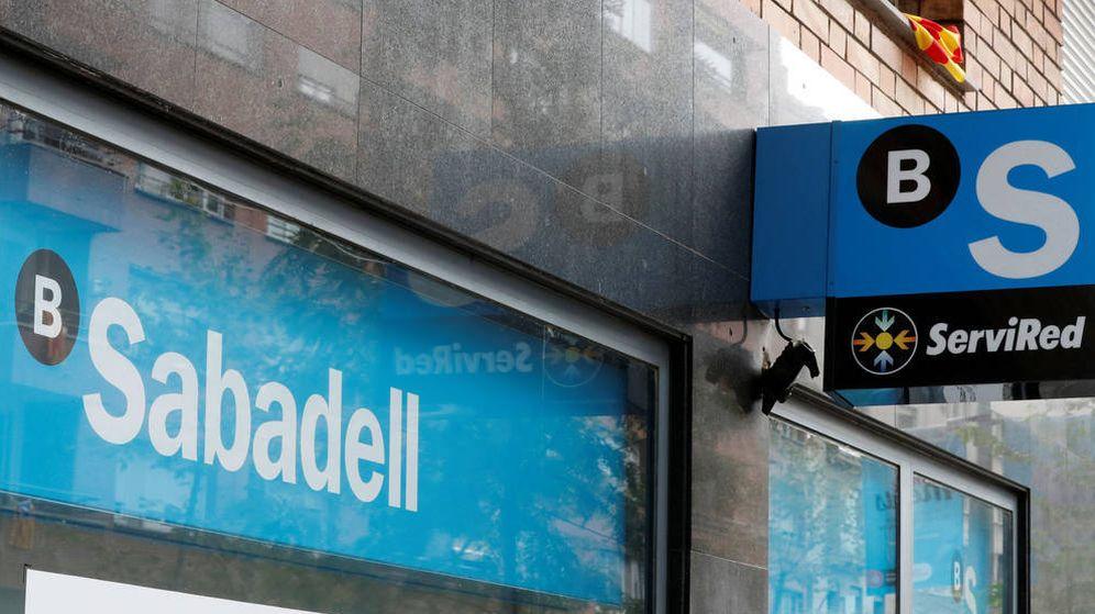 Foto: Oficina del Sabadell en Barcelona. (EFE)