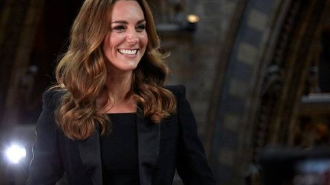 El efecto Kate Middleton ha vuelto con un traje negro de inspiración Meghan Markle