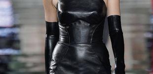 Post de Irina Shayk reaparece espectacular y a lo Gilda tras su ruptura con Bradley Cooper