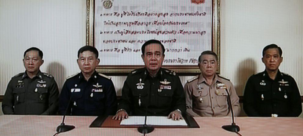 Foto: Imagen tomada de la televisión que muestra el golpe de Estado tailandés (Efe)