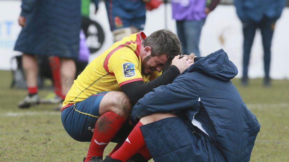 Foto: Lágrimas de España en el césped de Bruselas. (EFE)