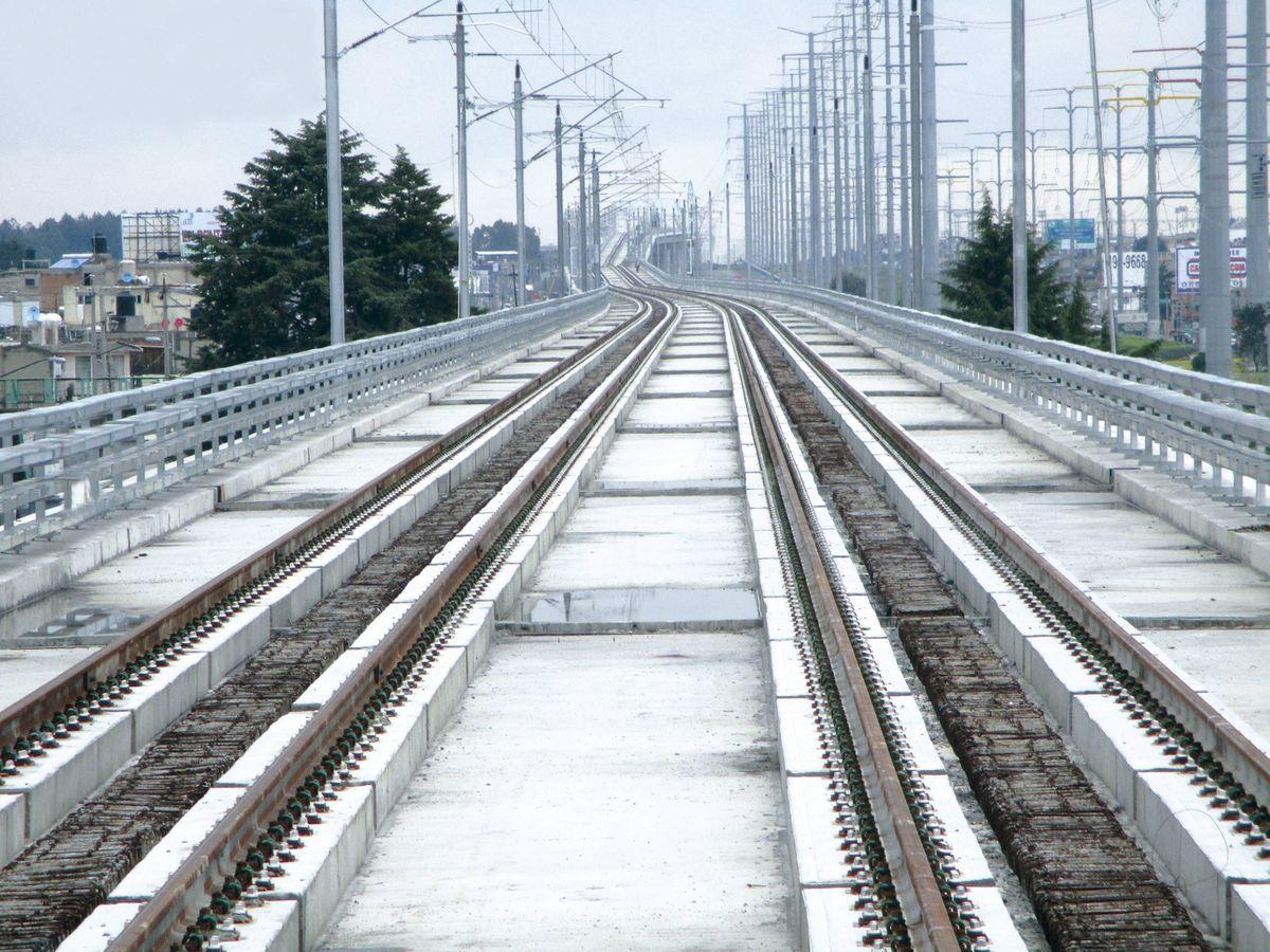 Foto: Obra ferroviaria del tren interurbano México-Toluca. (Grupo Azvi)