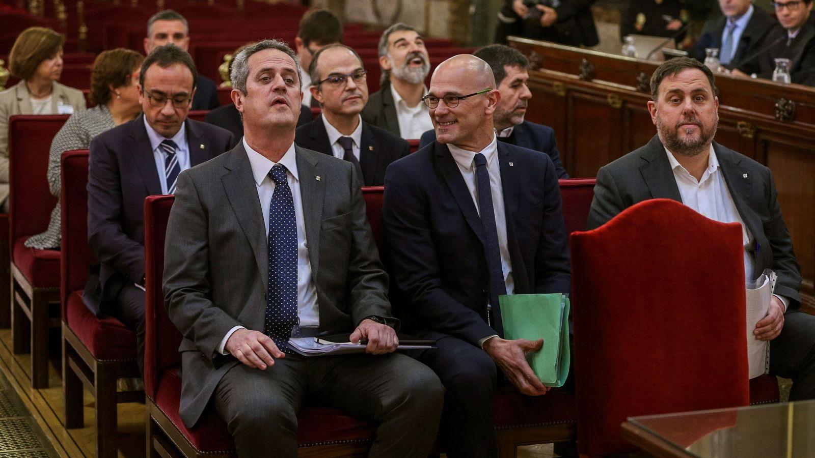 Foto: Los 12 líderes independentistas acusados por el proceso soberanista. (EFE)