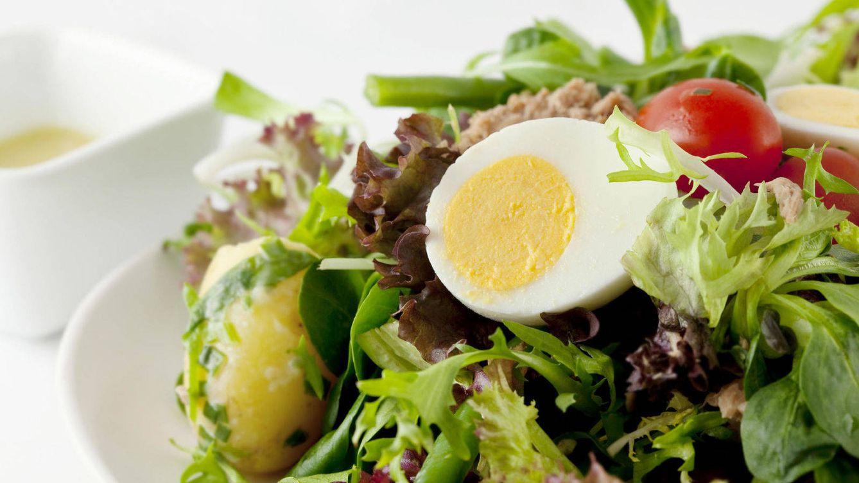 Foto: Una investigación alerta sobre la presencia de salmonelosis en las ensaladas envadas. (iStock)