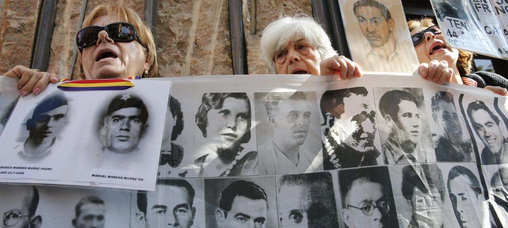Foto: Manifestación en favor de las víctimas del franquismo (EFE)