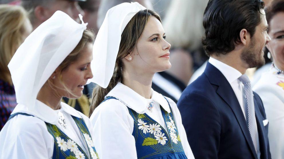 Deportivo y feminista (y con el ombligo al aire): así es el último look de Sofía de Suecia