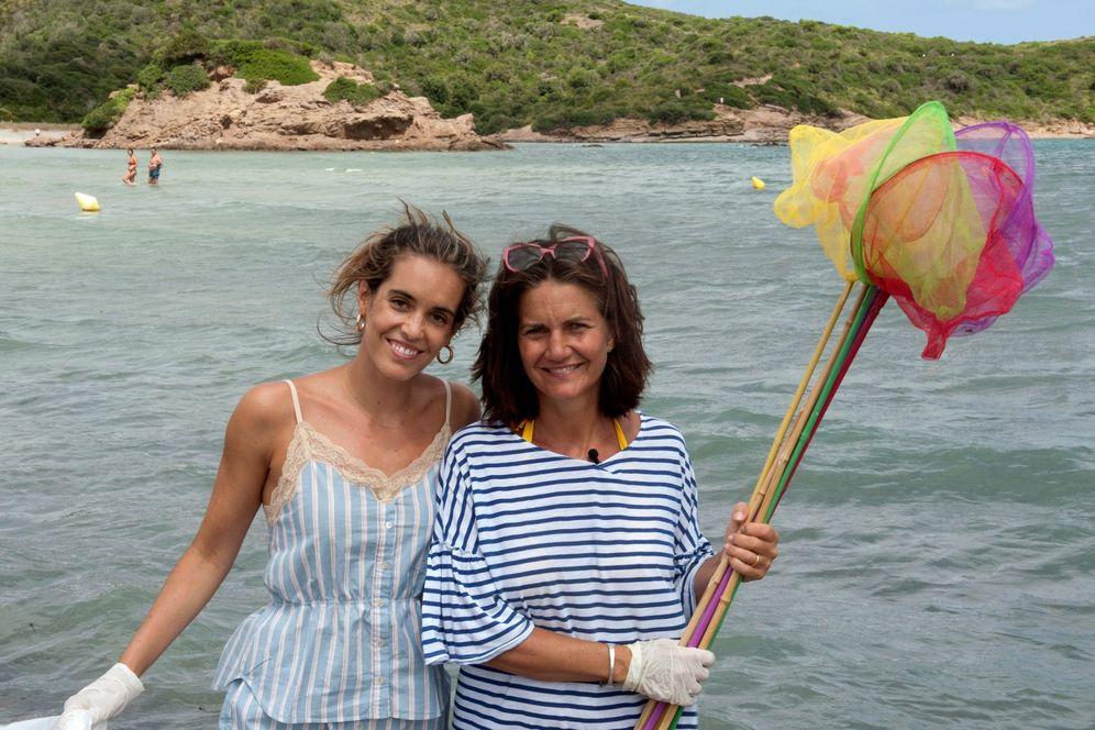 Foto: Ona Carbonell se une a Samantha Vallejo-Nágera en su campaña para erradicar el plástico del medioambiente. (EFE)