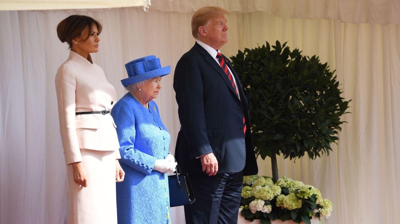 Melania Trump, Isabel II y Donald Trump, en una visita anterior. (EFE)