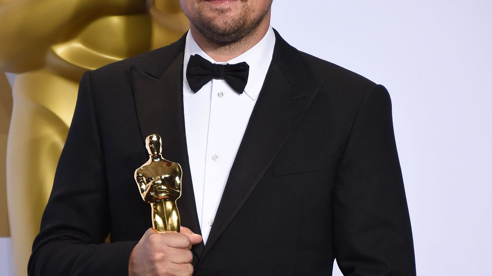 Rubias, juergas y mítines: lo que hace DiCaprio cuando no está recogiendo un Oscar