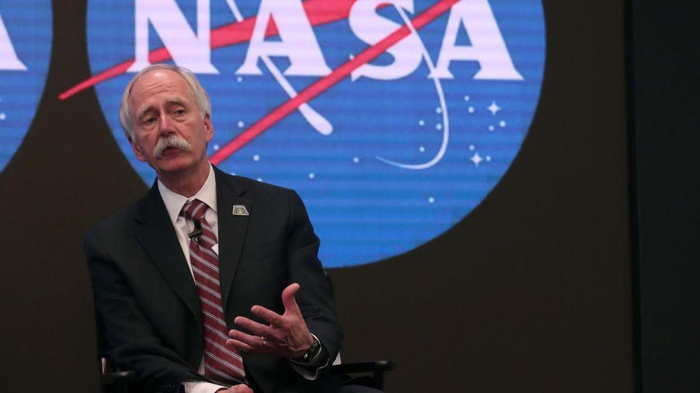 Foto: Bill Gerstenmaier, durante el anuncio de este viernes. (Reuters)