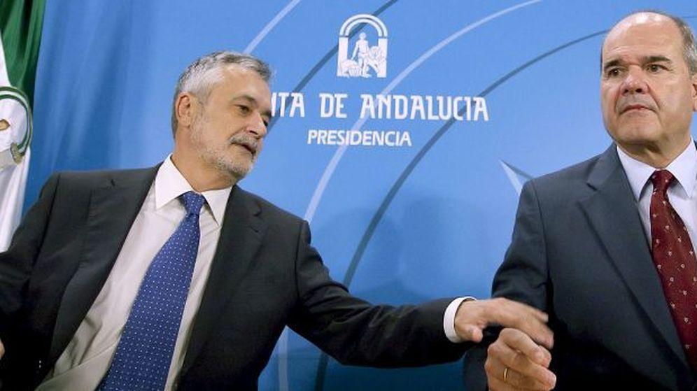 Foto: Dos de las caras más conocidas del caso ERE, José Antonio Griñán y Manuel Chaves (EFE)