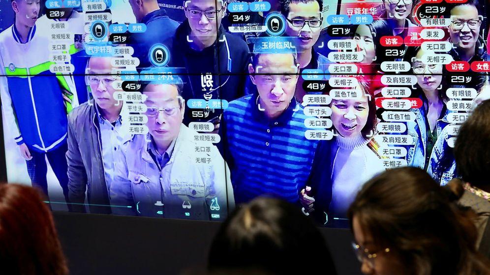 Foto: Una prueba del sistema de reconocimiento facial en China. (Reuters)