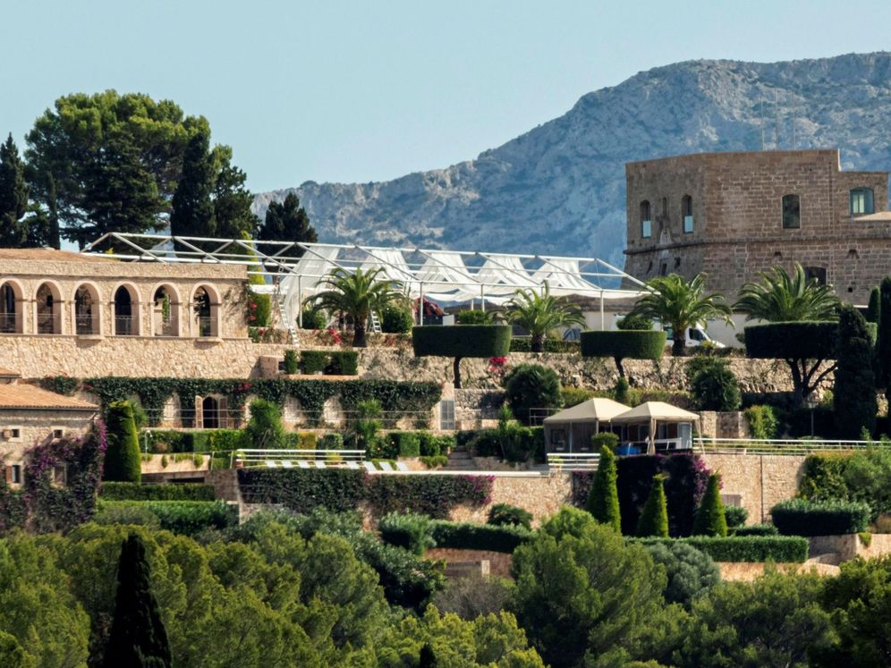 Foto: La carpa gigante que se ha instalado en Sa Fortalesa, el lugar de la boda. (EFE)